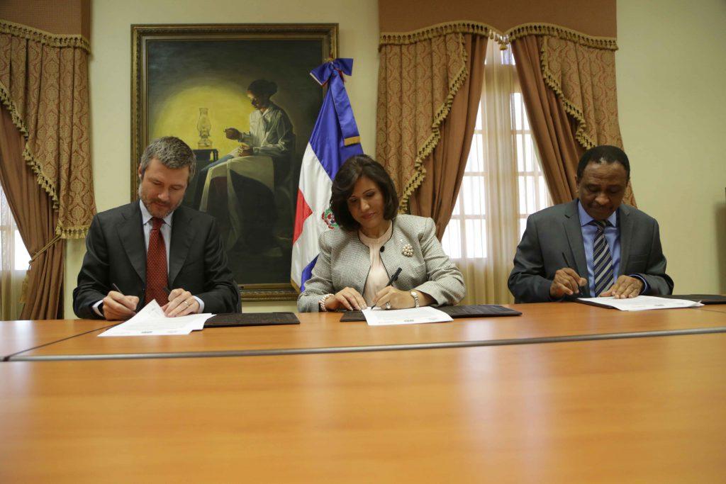 Firma acuerdo CTC-Altice